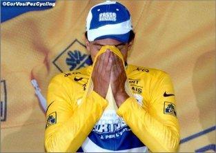 Канчеллара в желтой майке лидера на Тур де Франс 2003