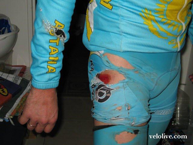 Встреча велосипедиста с джипом