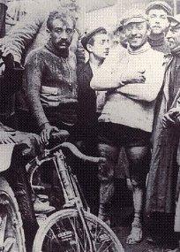 Гарен (слева) на Тур де Франс 1903 года