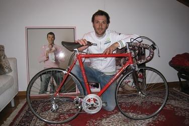 Бассо со своим первым гоночным велосипедом