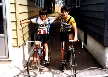Джордж Хинкепи (справа)