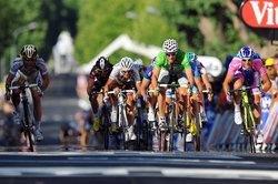 Спринт из основной группы на 10-м этапе Тур де Франс