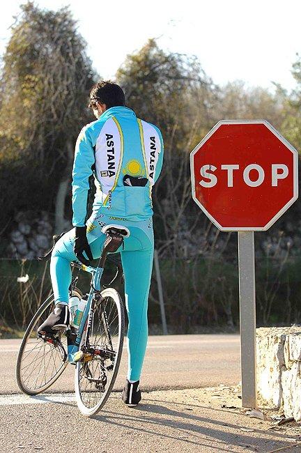 Альберто Контадор, не принимал участие из-за прошлогодних проблем его команды Астана с антидопинговыми службами