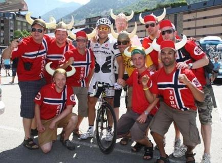 Тор с норвежскими фанатами