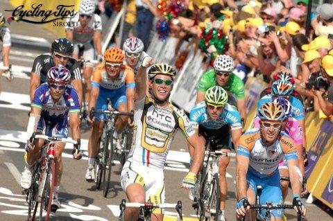 Победный финиш Марка Кэвендиша. Photo (c) Cycling Tips