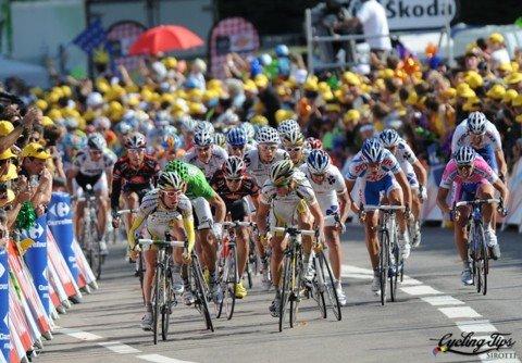 Финишный спринт в исполнении гонщиков HTC - Columbia. Photo (c) Cycling Tips