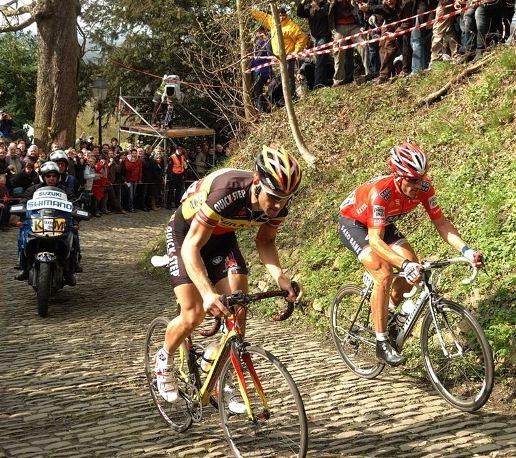 Том Боонен и Фабиан Канчеллара на Muur van Geraardsbergen