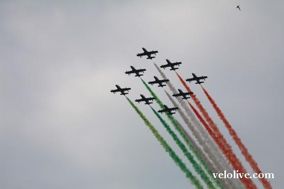 Триколор в небе над Турином