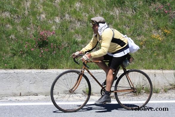 Ретро-велогонщики