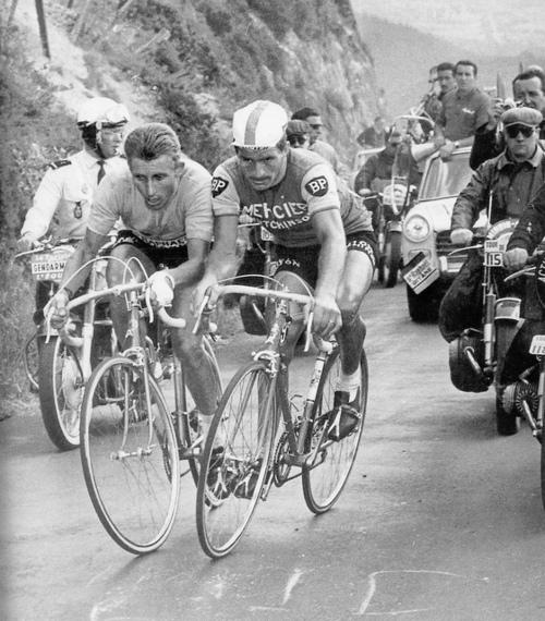 Жак Анкетиль и Раймон Пулидор на 20-м этапе ТдФ 1964