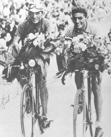 Манье и Вьетто на финише Тур де Франс в Париже