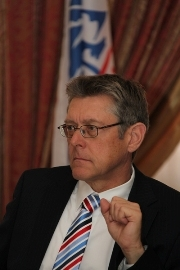 Ханс Хольцер