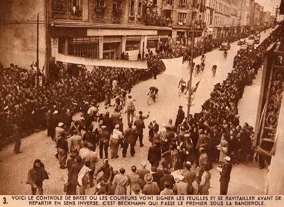 Промежуточный финиш в Бресте в 1948 году. Photo (c) BC Randonneurs Cycling Club