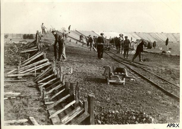 Строительство нового велодрома в Рубэ в 30-е гг. Photo (c) Les Amis de Paris-Roubaix