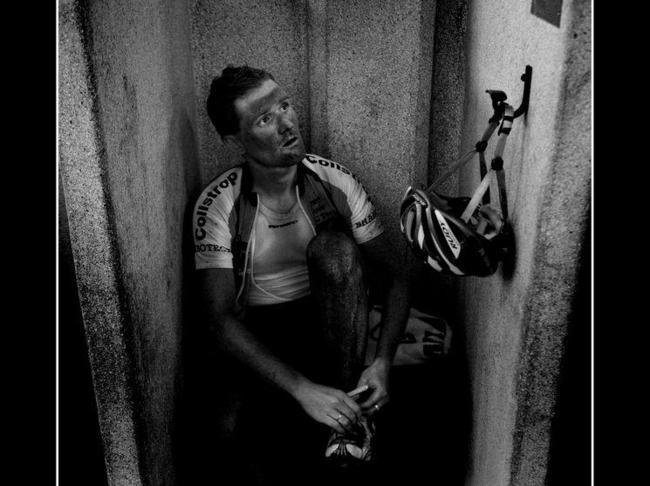 Душевые кабинки на велодроме в Рубэ. Бобби Траксель Photo (c) DPPI