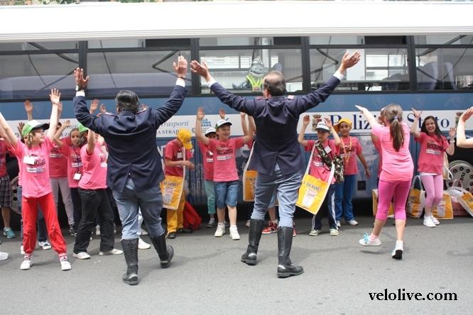 Полицейские танцы