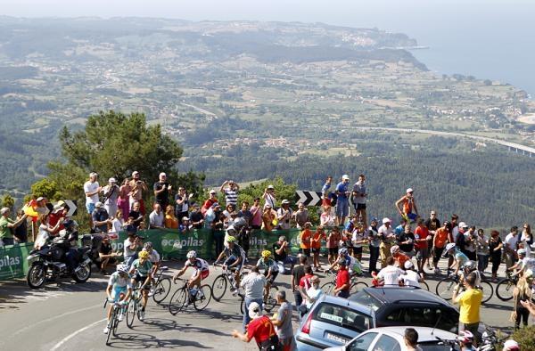 Vuelta a Espana 2012: La Robla - Lagos de Covadonga 186,5 км © Bettini Photo