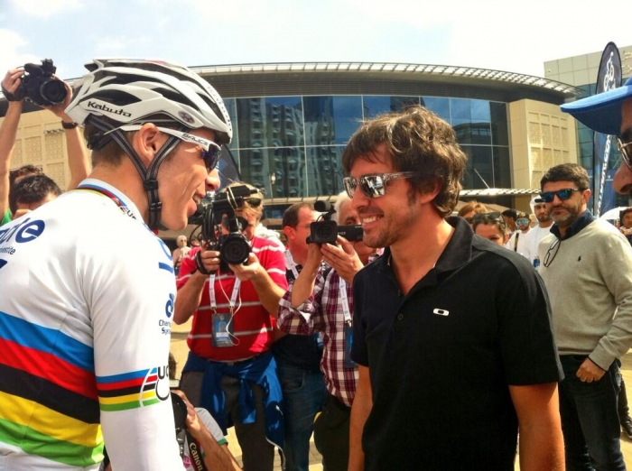 Фернандо Алонсо и звезды велоспорта на Туре Дубая