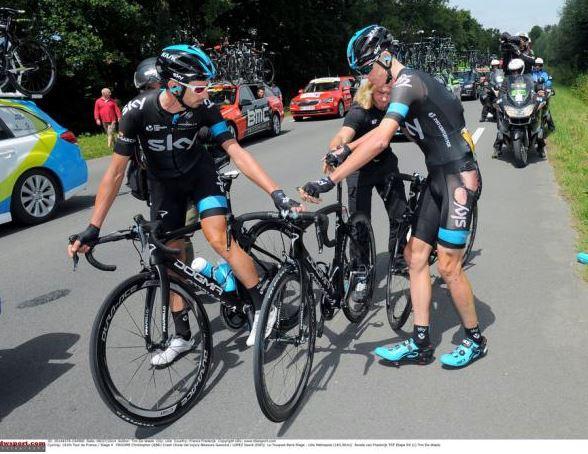 Крис Фрум (Sky) после падения на 4 этапе Тур де Франс-2014, Photo: © Tim de Waele/TDW Sport