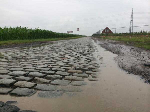 Брусчатка 5-го этапа Тур де Франс-2014, фото @NOShan70