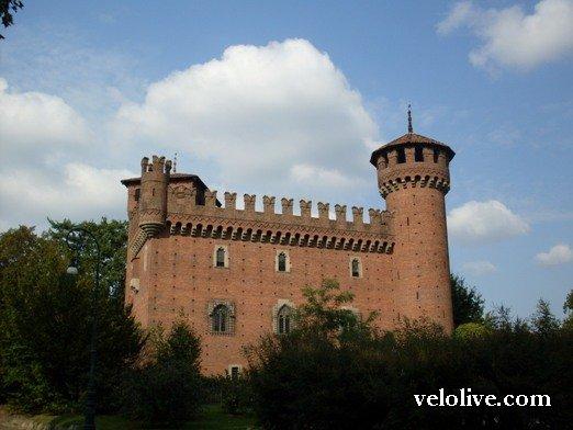 Замок в Borgo Midieovale