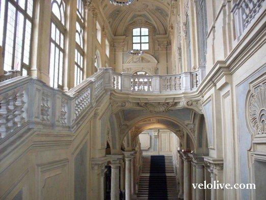 Парадная лестница в Палаццо Мадама