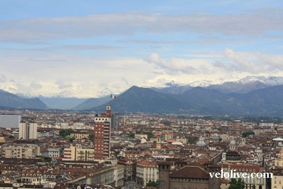 Вид на Турин и Альпы с Моле Антонеллиана