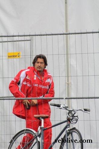 Фото с велосипедом - обязательно!