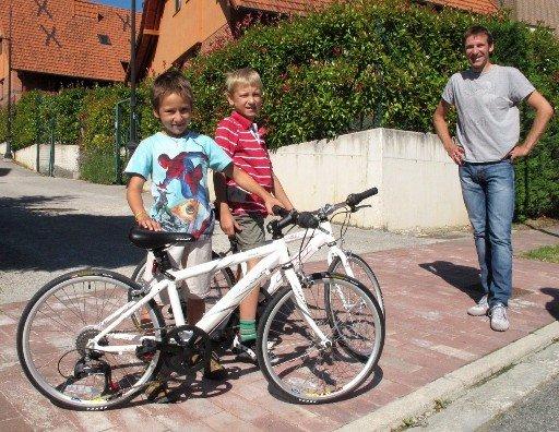 Денис Меньшов с сыновьями. Photo (c) Geox-TMC Pro Team Blog