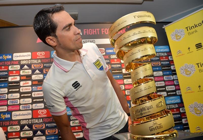 Пресс-конференция Альберто Контадора перед стартом на Джиро д'Италия-2015