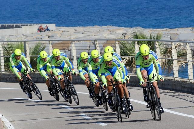 "Команда ""Тинькофф-Саксо"" - 2-я на стартовом этапе ""Джиро д'Италия-2015"""