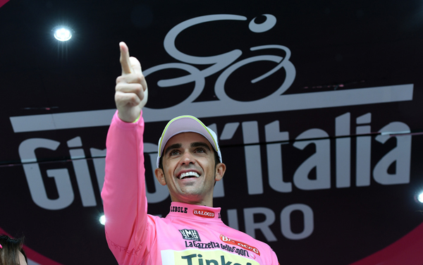 Альберто Контадор вернул розовую майку и укрепил преимущество на Джиро д'Италия-2015