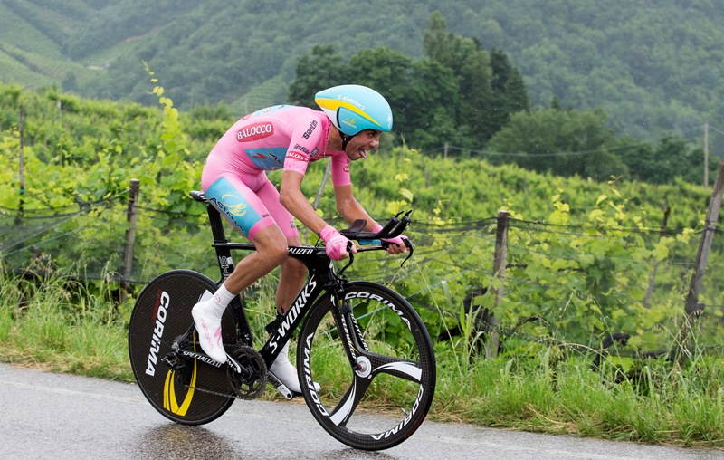 Фабио Ару в розовой майке Джиро д'Италия-2015