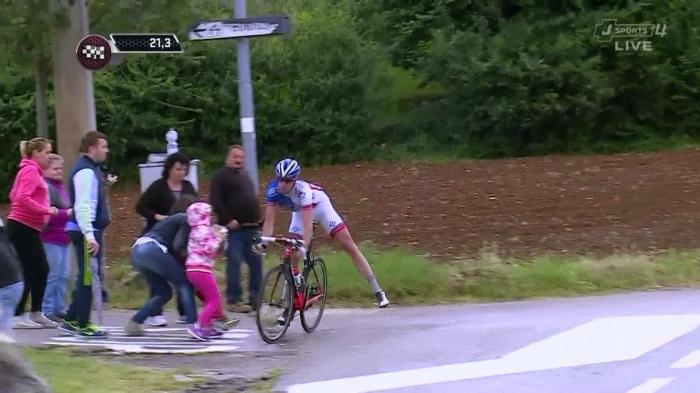 Падения и сходы гонщиков на 12-м этапе Джиро д'Италия-2015  (+18)