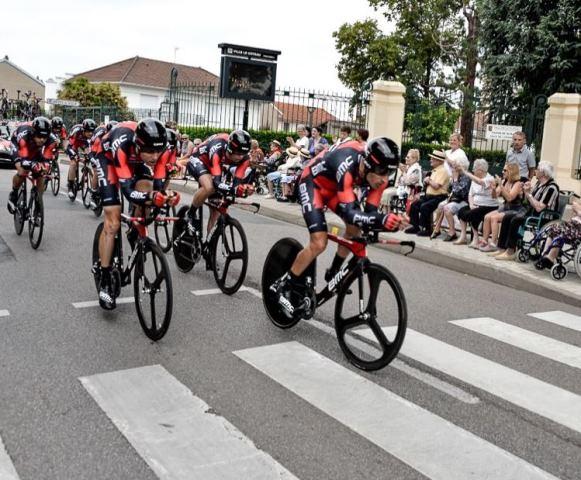 Чемпион мира, команда BMC - победитель командной разделки на Критериуме Дофине-2015