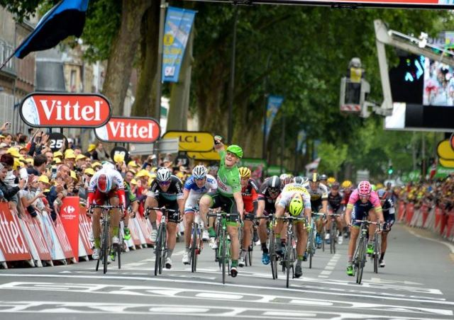 Тур де Франс-2015: на спринтерских этапах без перемен - побеждает Андре Грайпель