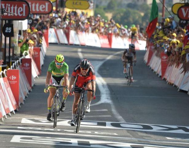 Петер Саган на финише 13-го этапа Тур де Франс-2015