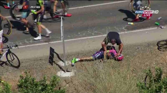 Травмы и сходы гонщиков на 2-м этапе Вуэльты Испании-2015 (18+)
