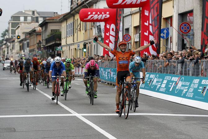 Давиде Ребеллин опередил в спринте Винченцо Нибали на финише классики Coppa Agostoni