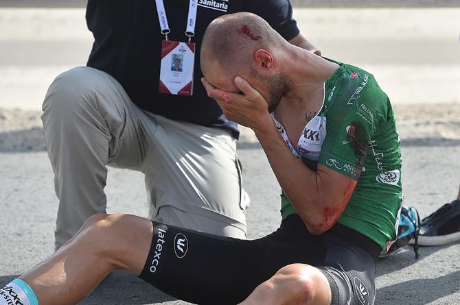 Сход Тома Боонена Тура Абу-Даби-2015 после падения