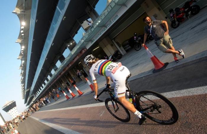 "Пит-стоп Петера Сагана на трассе ""Формулы-1"" в Абу-Даби"