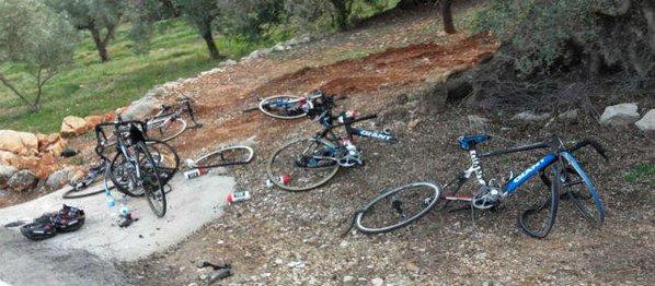 6 гонщиков команды Giant-Alpecin сбиты машиной во время тренировки