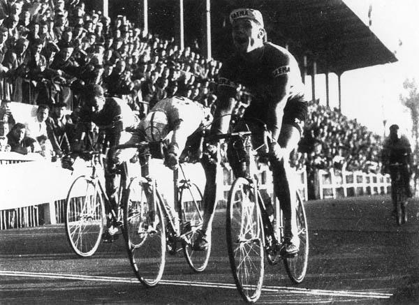 Страницы истории велоспорта: Париж-Рубэ-1958