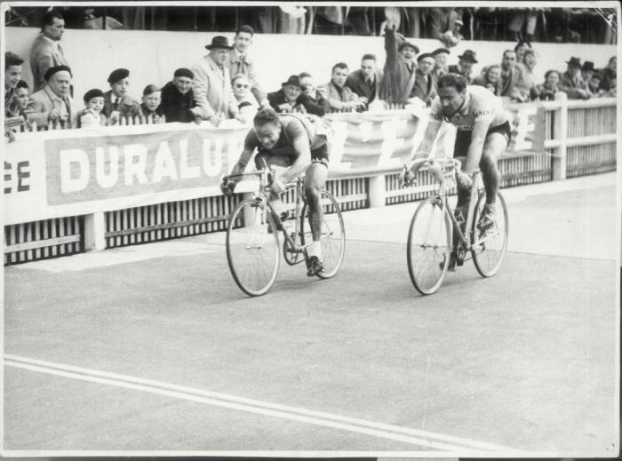 Страницы истории велоспорта: Париж-Рубэ-1953