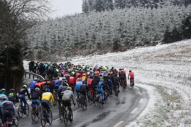 Снег заставил организаторов отменить 3-й этап Париж-Ниццы-2016