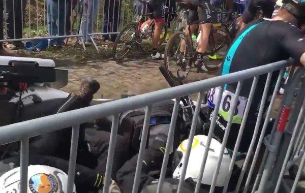 Элиа Вивиани избежал переломов после столкновения с мотоциклом в Аренбергском лесу