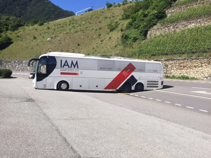 Велокоманда IAM Cycling в затруднительном положении