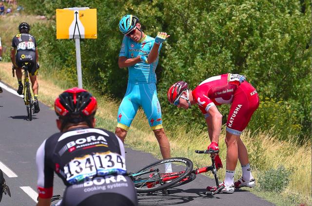 Юрген Ван ден Брук вынужден покинуть «Тур де Франс» из-за травмы