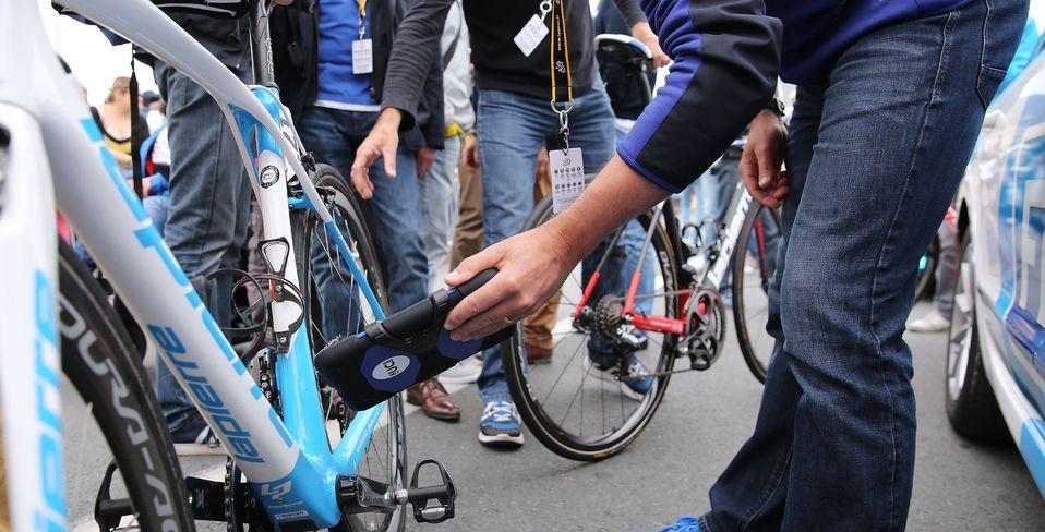UCI произвел 3773 проверки на механический допинг во время Тур де Франс-2016