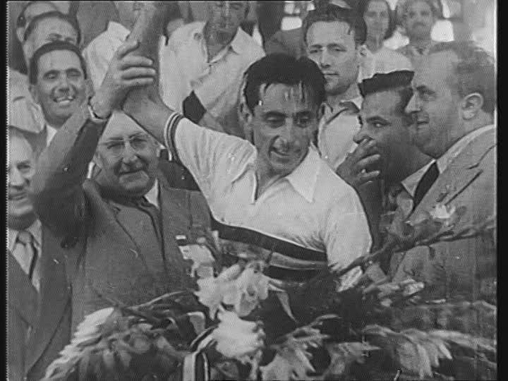 Проклятие радужной майки: Фаусто Коппи – чемпион мира по шоссейному велоспорту 1953 года